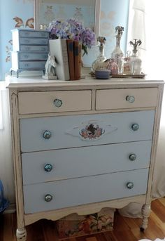 Check out how this simple Equine Inspired antique dresser update adds an elegant touch to a cottage style master bedroom and gives it vintage charm.