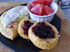 Suzanne's+Kitchen+:+Cornbread+muffins!+Simply+Filling. I have heard a lot about these. I will be trying them very soon.