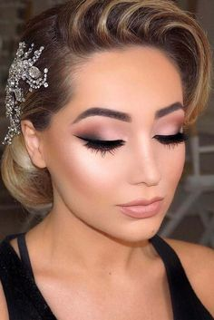 Need wedding makeup ideas? Our collection is a life saver. Get inspiration for your day and look stunning. We are sure you will love them as much as we do.