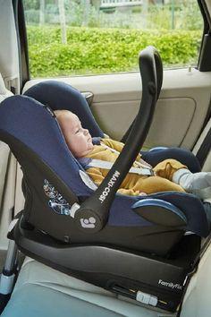 Neugeborene und Babys benötigen für das Auto eine passende #Babyschale. Dabei gibt es Varianten mit und ohne Isofix Befestigung. Informiere dich über Merkmale allgemein und vergleiche Babyschalen und #Reboarder von #Maxi-Cosi, #Britax und #Cybex, um die beste für dich und dein Kind zu finden. Baby Car Seats, Children, Kids Wagon, Newborns, Life, Boys, Kids, Big Kids, Children's Comics