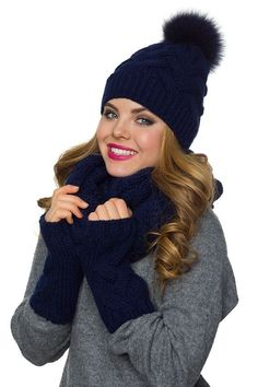 4b781667388 46 Best winter hats and gloves images in 2019