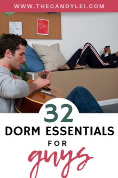 Prepare for college with this giant dorm room checklist. Get all the gear you'll need for a successful freshman year. Diy Dorm Decor, College Dorm Decorations, College Hacks, College Life, College Dorms, Guy Dorm Rooms, Dorm Room Checklist, First Year Student, Dorm Essentials