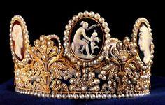 Tiara de los Camafeos - Casa Real de Suecia