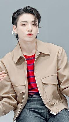 Foto Jungkook, Foto Bts, Kookie Bts, Jungkook Oppa, Bts Bangtan Boy, Jung So Min, Jung Kook, Jeongguk Jeon, Mode Kpop