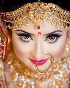 Tag ur besties who is lover of jewellery and bridal 💘 Indian Wedding Couple Photography, Indian Wedding Bride, Bridal Photography, Wedding Day, Makeup Photography, Bengali Wedding, Wedding Bells, Indian Wedding Makeup, Bengali Bride