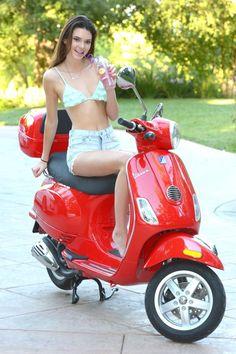 Show Me a Bike: vespa