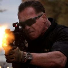 Five Sabotage Photos with Arnold Schwarzenegger Commentary -- The action icon breaks down these shots from director David Ayer's action-thriller. Joe Manganiello and Mireille Enos are also featured. -- http://wtch.it/O9PaV