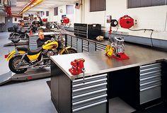 Motorcycle Workshop, Motorcycle Shop, Motorcycle Garage, Workshop Bench, Car Workshop, Garage Studio, Garage Shop, Garage Design, House Design