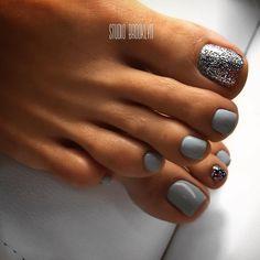 Glitter Toe Nails, Gel Toe Nails, Feet Nails, Pedicure Nails, Toe Nail Art, My Nails, Hair And Nails, Pretty Toe Nails, Cute Toe Nails
