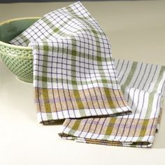 FREE pattern for two delightful cotton/linen dish towels, including some excellent weaving tips.  Valley Yarns #04 8/2 Cotton/Linen Towels