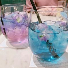 aesthetic Image about pink in —Eye Contact by Leah☼ on We Heart It Fun Drinks, Yummy Drinks, Yummy Food, Beverages, Colorful Drinks, Kreative Desserts, Cute Desserts, Cafe Food, Aesthetic Food