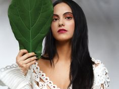 'Riverdale' Star Camila Mendes on Her Rise to Fame & the Power of Intuition Vanessa Morgan, Maquillaje Kylie Jenner, Camila Mendes Veronica Lodge, Camila Mendes Riverdale, Riverdale Veronica, Camilla Mendes, Riverdale Characters, Tulip Skirt, Riverdale Cast