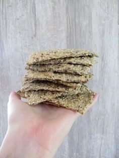 Bokhveteknekkis (Sprudlende Sunn) (in Norwegian) Raw Food Recipes, Healthy Recipes, Small Meals, Buckwheat, Vegan Meals, Allrecipes, Crackers, Sugar Free, Biscuits
