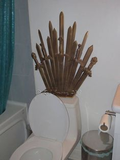 Craft Tutorials, Do It Yourself Crafts, Pictures & Crafting Patterns - Craftster Game Of Thrones Halloween, Game Of Thrones Birthday, Game Of Thrones Costumes, Game Of Thrones Decor, Game Of Thrones Party, Game Of Thrones Funny, Got Party, Cardboard Sculpture, Iron Throne