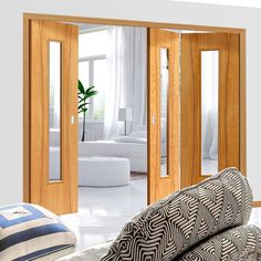 Thrufold Arcos Oak 2+1 Folding Door - Clear Glass - Prefinished.    #glazedinternaldoors #oakdoors #door #foldingdoor #thrufolddoor #roomfolddoors #interiorfoldingdoor