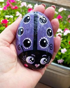 Your place to buy and sell all things handmade Lady Bug Painted Rocks, Painted Garden Rocks, Painted Rocks Craft, Hand Painted Rocks, Painted Pebbles, Rock Painting Patterns, Rock Painting Ideas Easy, Rock Painting Designs, Stone Crafts