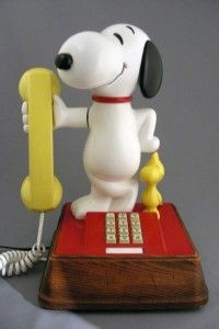 I had a Snoopy Phone just like this one, except mine was also a Lamp.  (From Penny's in the Early 80's)
