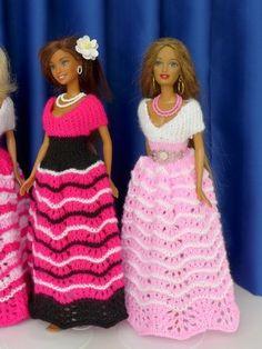 Puppenkleid stricken // Ballkleid für Puppen Crochet Doll Clothes, Schneider, Crochet Blanket Patterns, Elegant, Crochet Baby, Stylish, Etsy, Dresses, Fashion