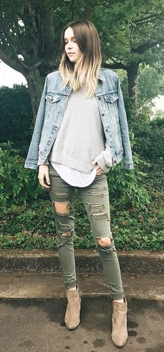 Magical Summer Outfits To Copy Now Denim Jacket + Grey Knit + Khaki Destroyed Skinny Jeans Cozy Winter Outfits, Fall Outfits, Cute Outfits, Fashion Outfits, Denim Outfits, Women's Fashion, Amazing Outfits, Casual Outfits, Modest Summer Outfits