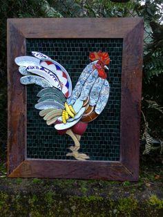 Rooster Mosaic! Solange Piffer Mosaicos ~ https://de.pinterest.com/sol268/mosaicos-picassiette/