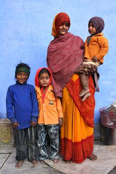 Bundi Family (by Steven House). Bundi is a city with 104,457  101,000 inhabitants (2011) in the Hadoti region of Rajasthan state in northwest India. It is of particular architectural note for its ornate forts, palaces, and stepwell reservoirs known as baoris. It is the administrative headquarters of Bundi District.