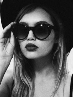 Chic sunglasses // retro vibes