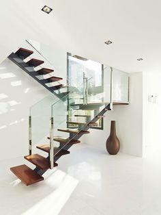 escaleras |  casa del acantilado.