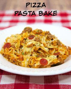 Pizza Pasta Bake - cheesy pasta bake with pizza sauce and your favorite pizza toppings