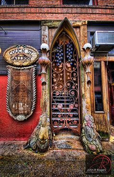 Magical portal in Portland, OR~.and there is magic behind each door and window, a portal to a new beginning.so swing wide open the doors and windows. Cool Doors, Unique Doors, The Doors, Windows And Doors, Front Doors, Entrance Doors, Porte Cochere, Wood Exterior Door, When One Door Closes