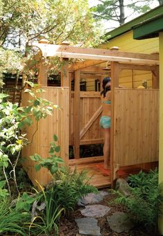 Free Plans For An Outdoor Wood Shower - Homestead & Survival Outdoor Baths, Outdoor Bathrooms, Outside Showers, Outdoor Showers, Outdoor Spaces, Outdoor Living, Outdoor Decor, Bungalow, My Pool