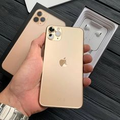 How to Win a free iPhone 11 from apple? Get a free phone upgrade with this Right now you can enter for the chance to win an 11 ! Receive the brand new 11 upon sign-up! Check My Site for more info. Iphone Pro, Iphone Phone Cases, New Iphone, Apple Watch Iphone, Telefon Apple, Free Iphone Giveaway, Airpods Apple, Get Free Iphone, Phone Cases