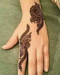 Mehndi henna designs are always searchable by Pakistani women and girls. Women, girls and also kids apply henna on their hands, feet and also on neck to look more gorgeous and traditional. Henna Hand Designs, Eid Mehndi Designs, Mehndi Designs Finger, Simple Arabic Mehndi Designs, Mehndi Designs For Girls, Mehndi Designs For Beginners, Modern Mehndi Designs, Mehndi Design Pictures, Mehndi Designs For Fingers
