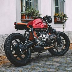 BMW R80 Woww, red and black So cool Via @post_coitum_motorcycles #caferacer #honda #retro #scrambler #motorcycle #triumph #bmw #roadstermagazin #croig #caferacersofinstagram #motorcycle #caferacerdreams