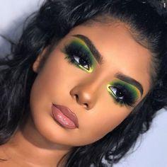 35 Easy but Wonderful Makeup Tips For Beginner - Makeup Looks Celebrity Glam Makeup, Rave Makeup, Flawless Makeup, Eyeshadow Makeup, Bridal Makeup, Makeup Geek, Eyeshadows, Makeup Eyebrows, Green Eyeshadow