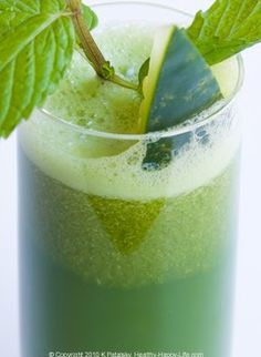 Spicy Jicama Pear Carrot, Cantaloupe Ginger, and Cucumber Mint Lemon Juice recipe! 3 awesome juice recipes   lunch box blog