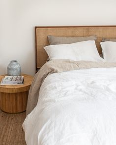 French Linen Bedding in White. Aesthetic Home Decor. Unique Home Decor, Cheap Home Decor, Parisian Bedroom, Living Tv, Living Rooms, Room Colors, Paint Colors, Minimalist Bedroom, Home Decor Inspiration