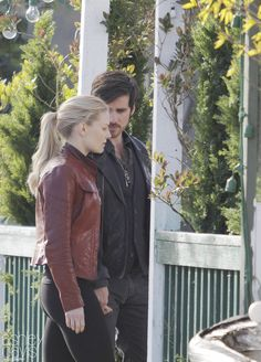 """Colin O'Donoghue and Jennifer Morrison - Behind the scenes - 5 * 23 """"An Untold Story"""" - 29 March 2016"""