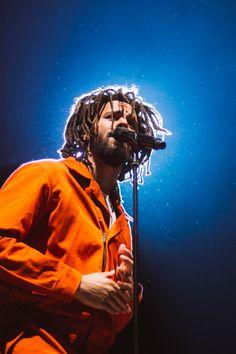 Listen to every J Cole track @ Iomoio J Cole And Drake, J Cole Art, J Cole Quotes, Ropa Hip Hop, Rapper Art, Artist Aesthetic, Rap Wallpaper, Wallpaper Ideas, Orange Aesthetic