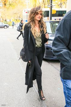 December 02, 2016 - Chrissy Teigen out and about in New York - chrissy-teigen-out-and-about-in-new-york-12-02-2016 4 - Chrissy Teigen Archive - Part of ChrissyTeigen.org