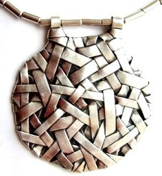 Fine silver contemporary jewellery. Woven series by Gurgel-Segrillo