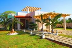 New built modern style villas in a secure beach front community  The modern villas for sale are available in 6 different designs, including: single and two story homes, fitted with 2, 3, or 4 bedrooms.