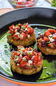 Mediterranean Quinoa Burgers. Even meat lovers cannot resist these crispy, fresh, healthy veggie burgers!