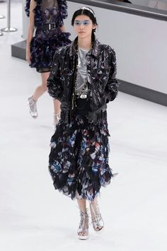 So parfait! J'adore!  Chanel Airlines 2016 S/S Runway - Haute Couture