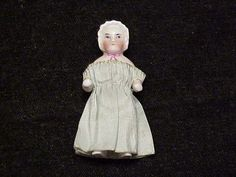 MINATURE PORCELAIN ANTIQUE DOLL