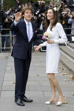 Fashion: Nancy Shevell wears Stella to marry Paul McCartney The Beatles 1, Paul Mccartney And Wings, Jane Asher, Photo Souvenir, Sir Paul, Rock And Roll Bands, Step Kids, The Fab Four, Famous Couples