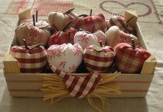 .Cute Fabric Apples in a Crate!