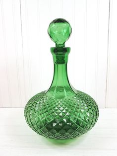 Vintage Green Genie Bottle Liquor Decanter Glass Retro Barware w/ Stopper Green Glass Bottles, Genie Bottle, Colored Vases, Fenton Glass, Glass Collection, Vintage Green, Decanter, Pottery Art, Glass Art