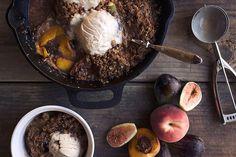 Grain-free Peach and Fig Crumble by @TastyYummies