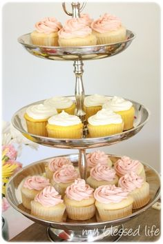 ooo...White cupcakes with pink frosting and lemon cupcakes with cream cheese frosting... pink lemonade themed party :) @Aubrey Foulds I like this!!!!