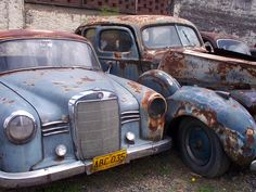 Carros de Pablo Escobar by LaliMartinez, via Flickr